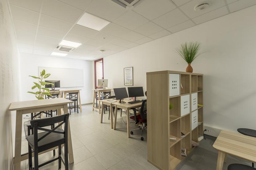 L'espace de coworking situé à l'étage du bâtiment Novel.id